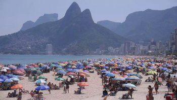 Brasil vuelve a habilitar el uso público de las playas cuando se acaba de detectar otra mutación de la cepa de Manaos.