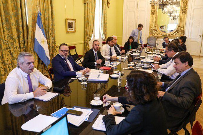 Reunión del gabinete económico y social para analizar el avance del coronavirus en Argentina.