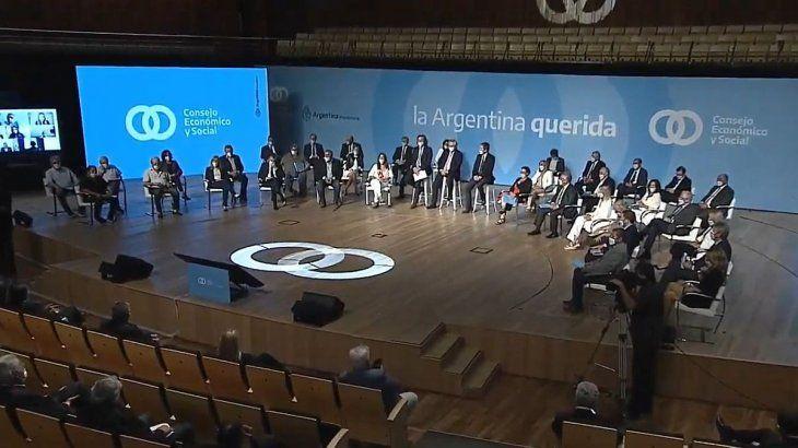 """""""¿Cuánto tiempo más seguiremos creyendo que el secreto es dominar al otro en lugar de asociarse?"""", se preguntó Alberto Fernández durante el lanzamiento del Consejo Económico y Social."""