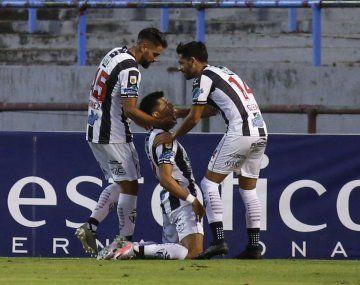 Central Córdoba obtuvo su tercer triunfo como visitante y es escolta.