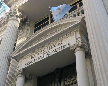 El BCRA usó 25% de las reservas compradas para intervenir dólar