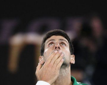 El serbio logró su decimoséptimo Grand Slam, el octavo en Australia.