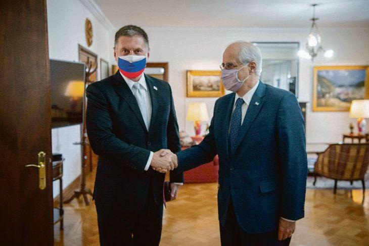 Encuentro. El embajador Dmitri Feoktiskov y Jorge Taiana.
