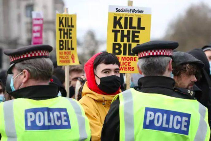 Los manifestantes de la marcha conocida como Kill the Bill (Matar la propuesta