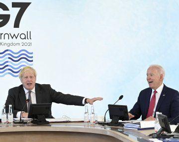 El primer ministro británico, Boris Johnson y el presidente de Estados Unidos, Joe Biden, en la cumbre del G7.