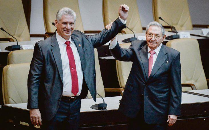 RELEVO. En 2018 Raúl Castro renunció a la Presidencia y asumió Miguel Díaz-Canel. Hasta ahora