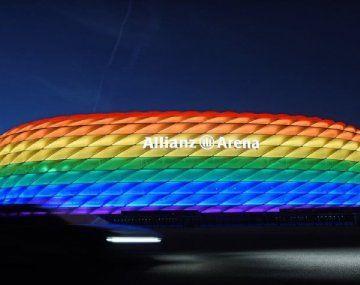 Fuertes críticas a la UEFA por rechazar iluminar el estadio de Munich con la bandera LGTB