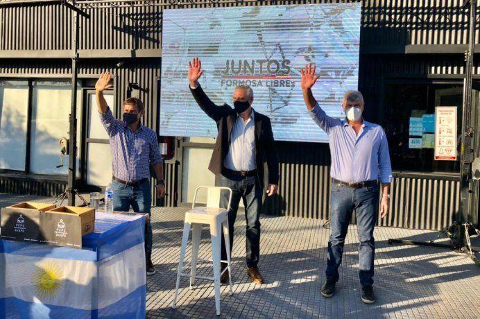Naidenoff, Carbajal y Buryaille durante el lanzamiento de la precandidatura del exjuez.