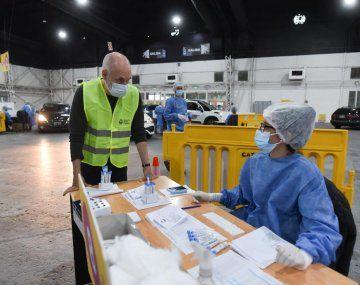 PCR.Horacio R. Larreta, visitó el centro de testeos de Costa Salguero que atiende a contactos estrechos asintomáticos, al igual que La Rural.