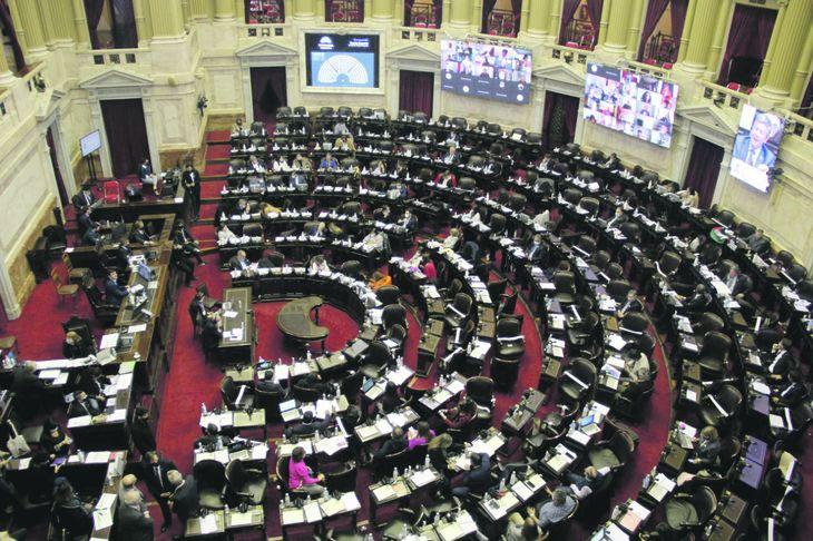 Congreso: agenda se carga de temas de fondo en medio de desorganización por sesiones
