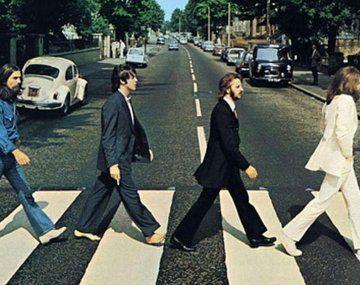 Locura en Abbey Road a 50 años del mítica foto de Los Beatles