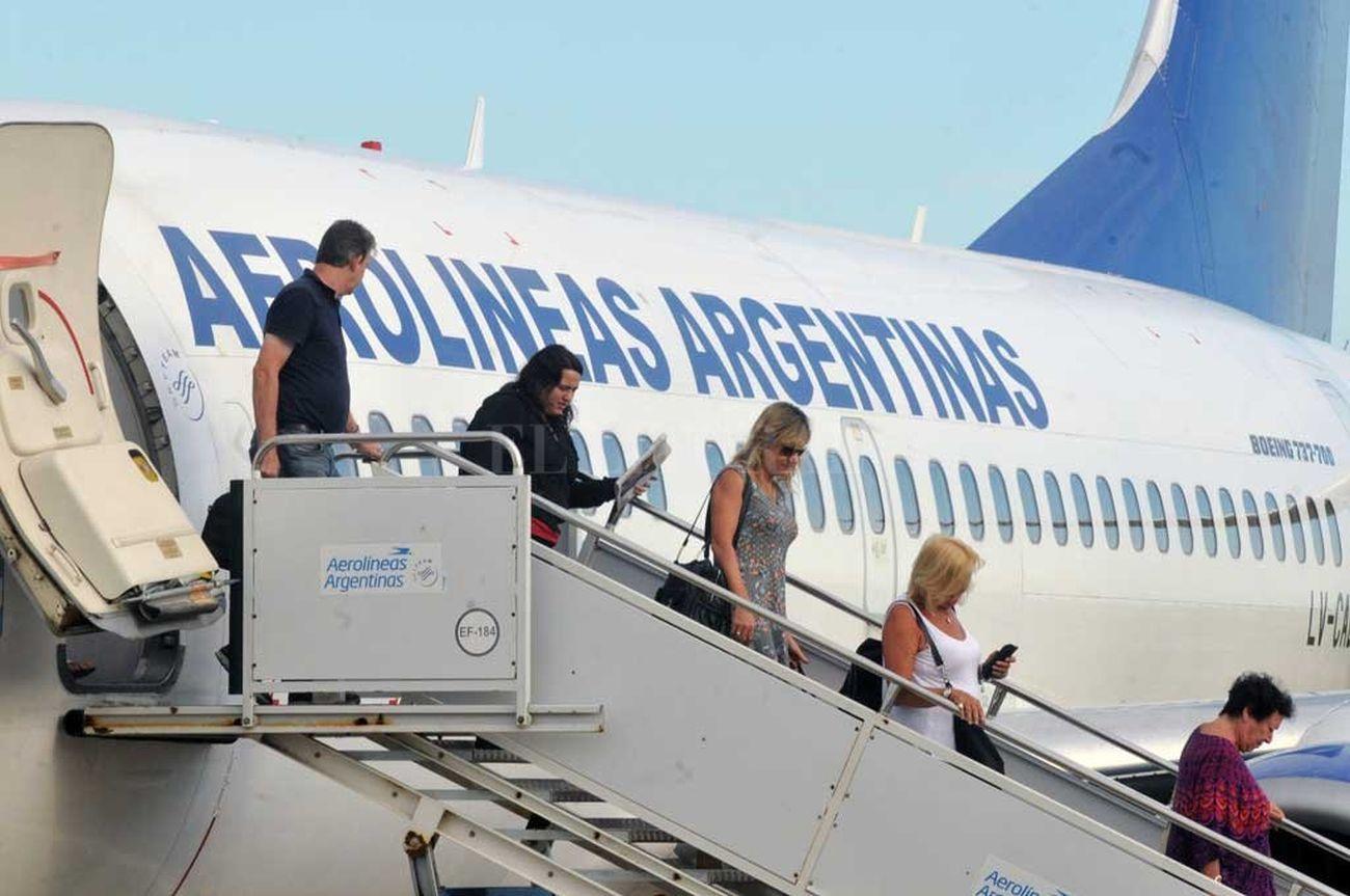aerolineas conectara por primera vez tucuman y puerto iguazu