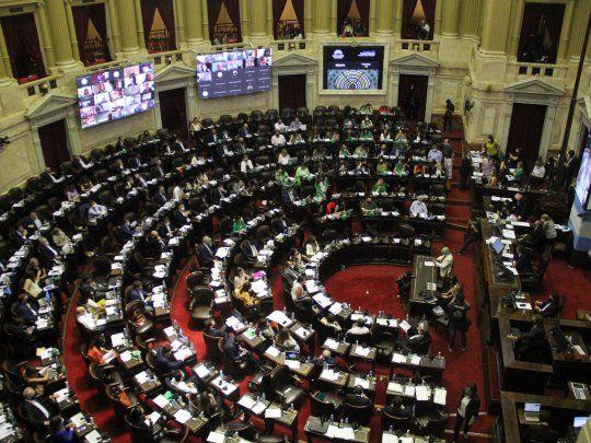 En histórica sesión, Diputados debate la legalización del aborto