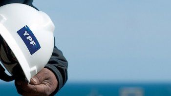 YPF anunció que realizará cambios en su estructura organizativa