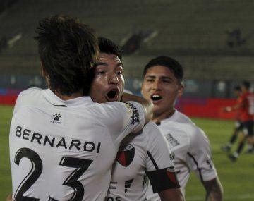 Colón eliminó a Independiente de la Copa de la Liga.