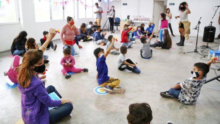 Raverta participóde actividades junto a niños beneficiarios de la AUH.