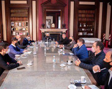 Azel Kicillof y Augusto Costa se reunieron con representantes de las cadenas de producción y comercialización de bienes de consumo masivo.