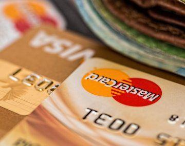 Tarjetas: se desacelera el consumo por límites de crédito e impuesto a sellos en Ciudad