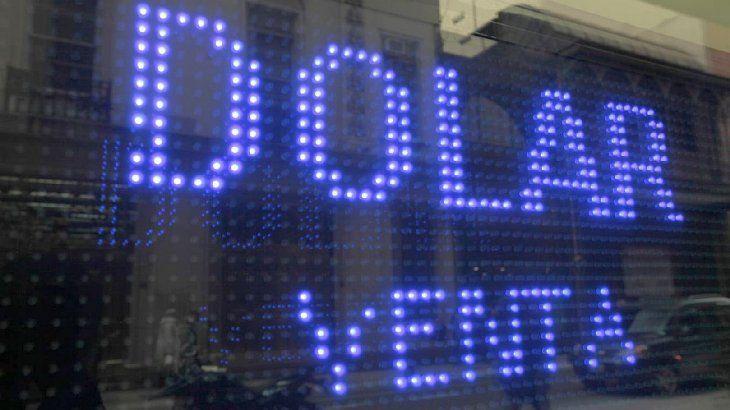 Dólar blue hoy: a cuánto cerró