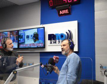 Gustavo Sylvestre y Pablo Duggan descubrieron el nuevo logo de Radio 10.
