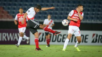 River evitó la altura de Bogotá y se llevó un punto de Asunción, donde enfrentó a Independiente Santa Fe.
