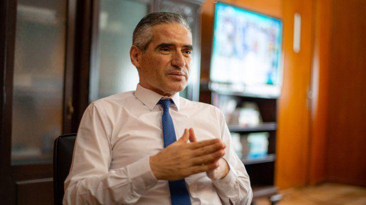 Roberto Arias.