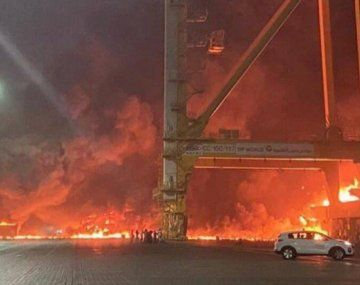 Tras la explosión se desató un feroz incendio que ya fue controlado.