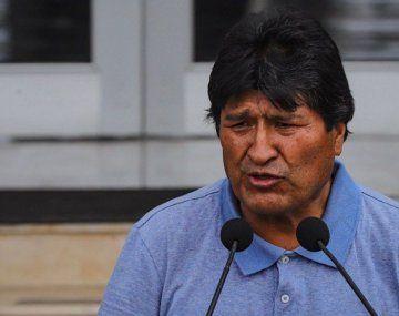 El gobierno de facto de Bolivia acusa a Evo Morales de sedición y terrorismo.
