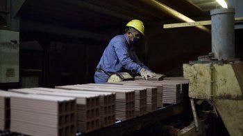 empleo en la construccion: destacan que se recuperan 5.000 puestos al mes