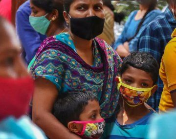 India restringe fiestas religiosas por temor a una nueva ola de coronavirus
