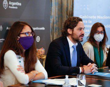 La ministra de las Mujeres, Géneros y Diversidad, Elizabeth Gómez Alcorta, y el Jefe de Gabinete, Santiago Cafiero.