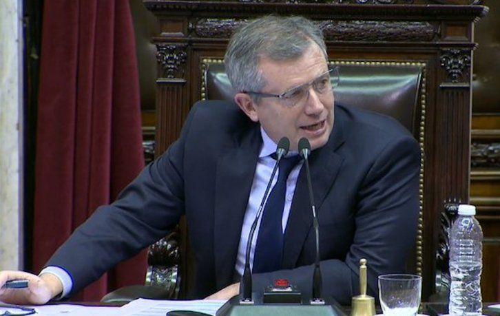 Emilio Monzó apuntó contra el Gobierno en el marco de la suspensión temporal de exportaciones de maíz.
