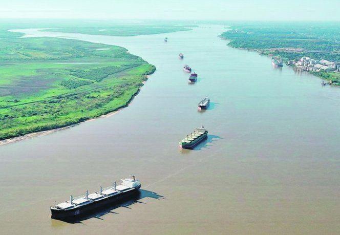 Relevancia. La Hidrovía es un paso vital para el comercio exterior.