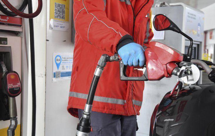 Desde mañana suben otro 6% las naftas