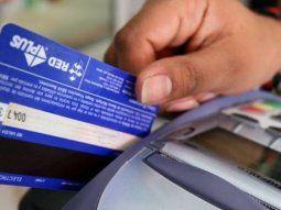 En el caso de los vencimientos de tarjetas de crédito, los clientes de las entidades podrán cancelarlos el 13 de abril, sin ningún recargo; la tasa de financiamiento no podrá superar el 49%, de acuerdo con lo dispuesto.