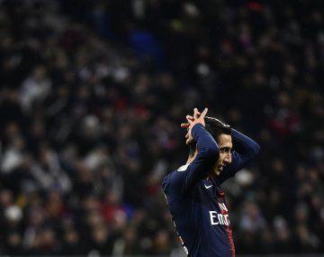Ángel Di María anotó en la primera derrota de PSG en el torneo francés.