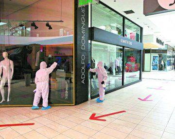 Se dispusieron varias normas de seguridad para la reapertura de los centros comerciales en Perú.