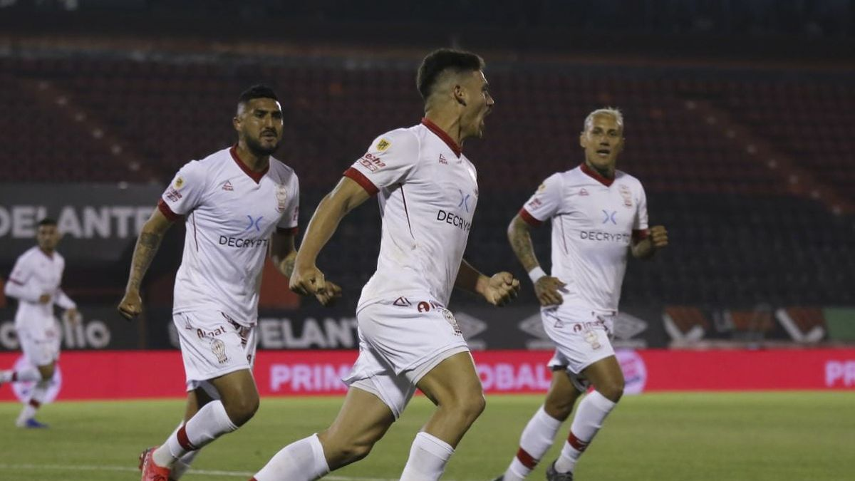 Huracán se llevó un gran triunfo de Rosario
