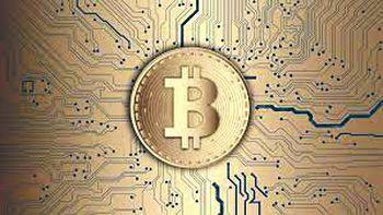 Bitcoin no tiene techo: se acerca a su máximo histórico tras el debut del ETF en Wall Street