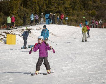 Apertura. Tímidamente comienzan a abrir los centros de esquí, bajo estrictos protocolos de funcionamiento.