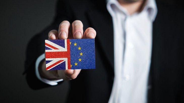 El Reino Unido y la Unión Europea acercaron las partes y sellaron un acuerdo comercial histórico.