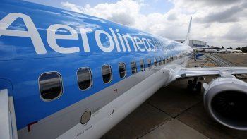 aerolineas argentinas suspende y reprograma vuelos por las nuevas restricciones