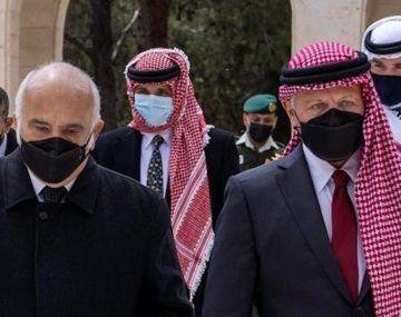 rey Abdalá II y el príncipe Hamza