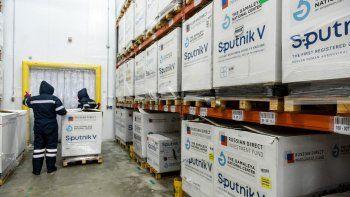 Plan de vacunación: comienza hoy la distribución de 650.400 dosis del componente 1 de la Sputnik V en todas las provincias.