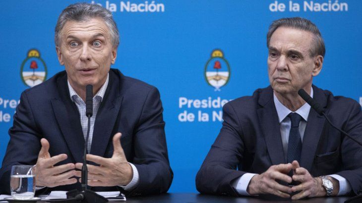 Mauricio Macri y Miguel Angel Pichetto en Casa Rosada.
