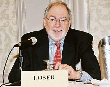El economista Claudio Loser aseguró que el principal problema que tiene hoy el país es la falta de dinero para pagar al exterior.