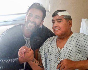 Leopoldo Luque junto a Diego Maradona.