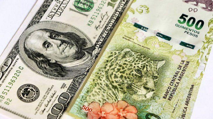 Los dólares financieros y el blue operan en baja esta semana.