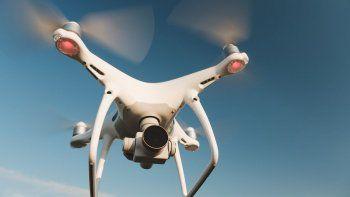 dubai siembra nubes con drones para que llueva