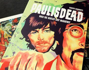 Libro sobre la supuesta muerte de Paul McCartney, una de las formas que los fanáticos mantuvieron viva esta teoría.